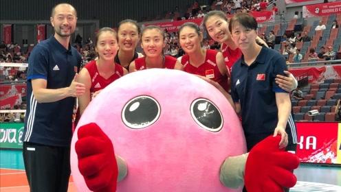 中国女排集训大爆料!袁心玥颜妮姚迪爆料谁是羽毛球之王?谁又是篮球之王?