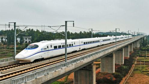 实拍高铁穿越钱塘江开出杭州东站,太震撼了