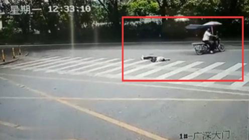 女子坐摩托车丢了性命,看完视频后,瞬间崩溃了
