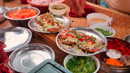 印度美食:马萨拉面包煎蛋卷,秘制香料搭配洋葱和番茄,这味道有点重