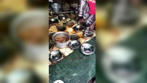 印度餐厅里的美食,这是一家有着自己的灵魂餐厅,味道一流,就是有点卫生差