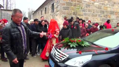 三十八岁的新郎终于结婚了,愿有情人终成眷属,希望路过的人能给个祝福!