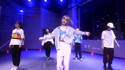 超级A的A妹 舞蹈 爵士舞 明星舞蹈 成都麦田流行舞蹈工作室