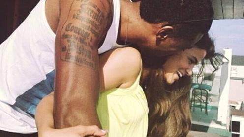 """成功黑人的标配?NBA球星又现""""黑白配"""",妻子颜值堪称完美"""