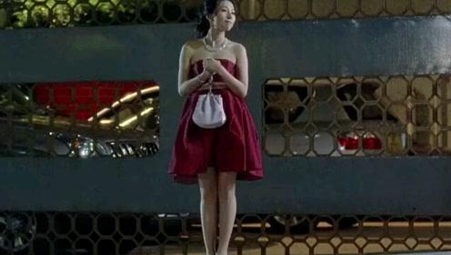 美女打扮大方得体,美妙身材高端大气
