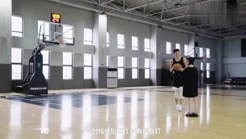 欧阳娜娜与CBA状元王少杰互动打篮球,这身高差好萌