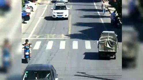 汽车在行驶中突然爆炸,只因车上放了这东西