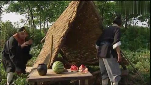 猪八戒偷吃西瓜,太搞笑了,都是儿时的回忆
