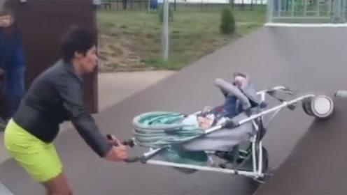 令人发指!醉酒母亲故意推婴儿车冲上斜坡,致婴儿多次摔出车外!