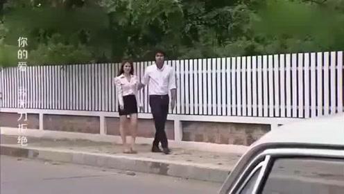 富家千金开奔驰,看到小伙开电动车嘲笑了一下,下秒就悲剧了