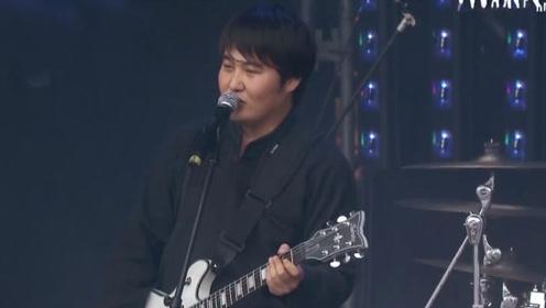 内蒙古九宝乐队一曲《Sonsii》嗨翻伍德斯托克音乐节现场