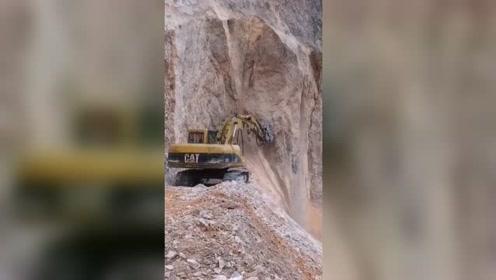挖掘机最新视频,你喜欢这样的挖掘机吗?挖掘机103