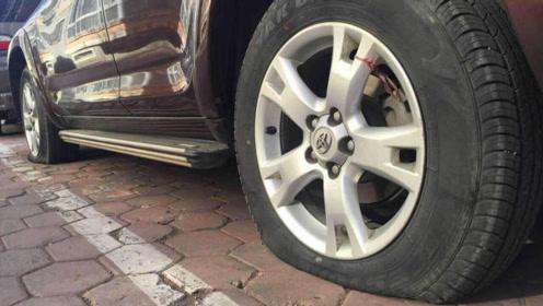 轮胎上卡了很多小石子,抠还是不抠呢?10年老司机都做错了!