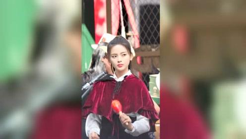 杨超越上海外滩录制饭拍,超越妹妹真是太好看了!