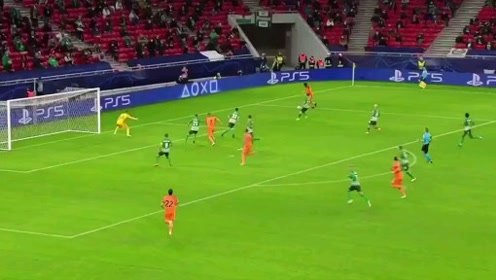 尤文欧冠客场4-1大胜费伦茨瓦罗斯