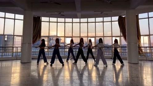小姐姐们翻跳*lackpink的舞蹈,看起来真不错,养