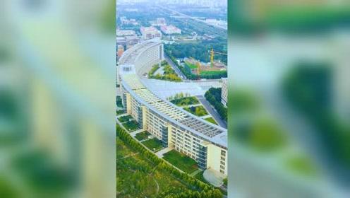 亚洲最长的楼,就在河南郑州中医大学,全校只有一栋教学楼