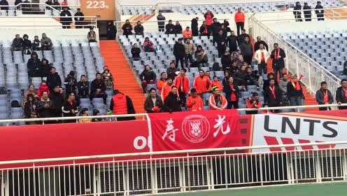 鲁能团宠!王大雷亚冠资格赛前热身 惹看台欢呼