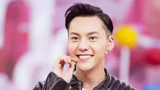 热搜榜:《醉玲珑》上海发布会上,陈伟霆还原剧中经典动作