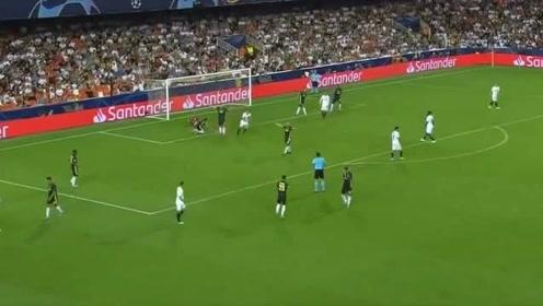 赛季欧冠联赛,瓦伦西亚对战尤文图斯,C罗开场30分钟离场