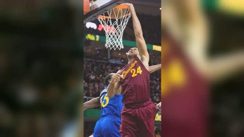 囧囧NBA:2010-2020百大扣篮第90位 杰弗森原地隔扣汤普森