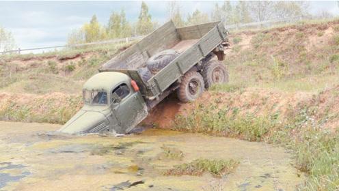 军用卡车的涉水能力有多强?油门一踩,让民用车自愧不如!
