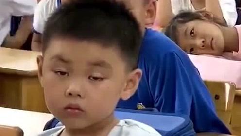 萌娃上课打瞌睡集锦:视频前的你,看到这一幕,像不像当年的你?