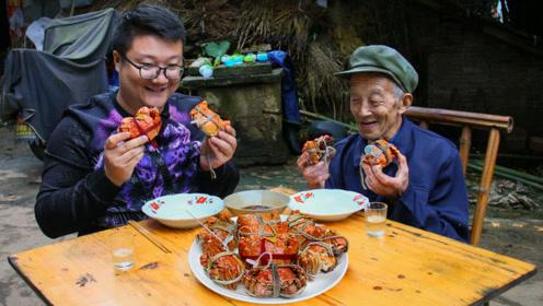 朋友送了8只阳澄湖大闸蟹,个个肥美,蟹黄满满,真过瘾