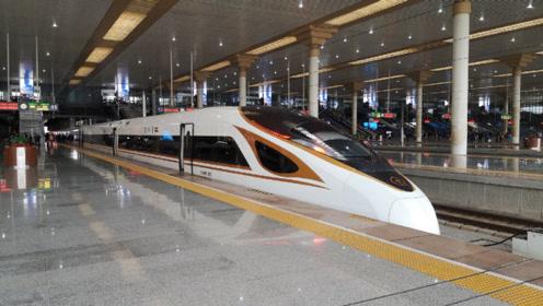 实拍高铁穿越长江进入南京站,你们绝对没见过,太震撼了