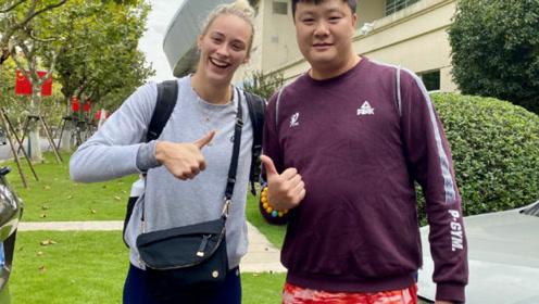 上海女排官宣拉尔森来了!恐错过联赛首秀,上海终于补全了阵容