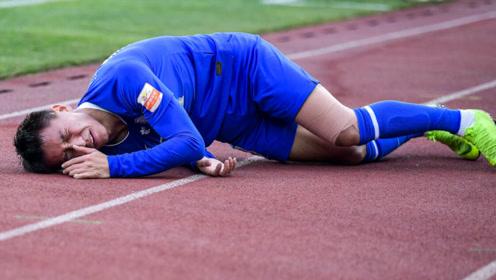 残酷足球!中超保级大战永昌大将带伤拼命,两次倒地最终难以坚持