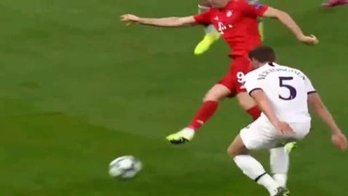 力压梅西C罗,欧冠德甲双双加冕,莱万巅峰表现绝对世界一锋!