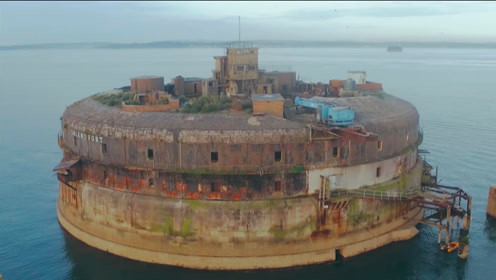 """世界上最""""尴尬""""的碉堡,被土豪花700万买下,"""