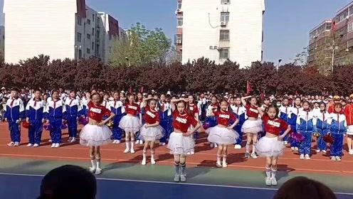 台上三分钟,台下十年功:运动会上,看看这些孩子跳的拉丁舞咋样?