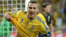 2012年歐洲杯35歲舍瓦頭球梅開二度 絕殺球看呆伊布
