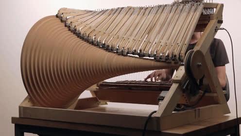 您可见过结构如此复杂的乐器?机械与电子的结合!真厉害。