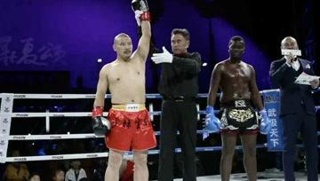 仅43秒!少林51岁弟子释延孜KO外国30岁拳王