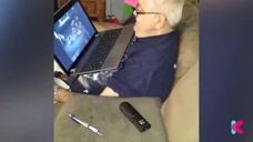 爷爷想买游戏装备奶奶不让买  气得像个孩子真是太可爱啦