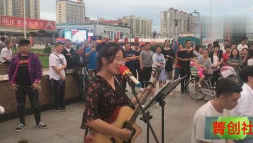 在牡丹江文化广场的街拍,身为牡丹江人的自豪