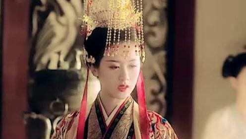 这一世你为女帝,你利用他登上皇位,他却依然守在你的身边