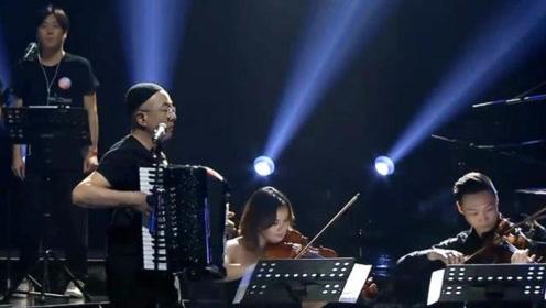 张玮玮和郭龙出山,带来民谣经典之作《米店》