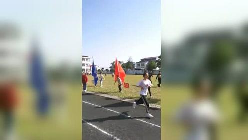 农村中学的学子们,对体育运动的热爱与追求。