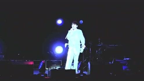 吴青峰现场清唱《无与伦比的美丽》尽显不俗唱功!