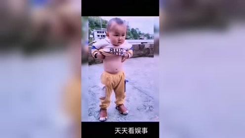 我原以为儿子会学拉丁舞,结果最后去学了肚皮舞!