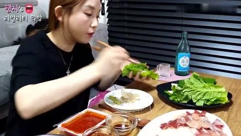 【Hamzy小姐姐的美食】:在家吃鰤鱼生鱼片,还有 辣鱼汤和烧酒!