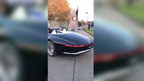 朋友从外国发来一段视频,点开之后一看,这车不得好几万!