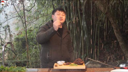德哥这次做了有手就能做的酱牛肉,非常美味,好吃到睿儿都喊二爸