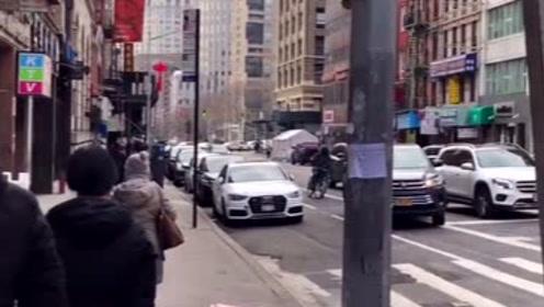 疫情期间,在美国的华人发来一段视频,真搞不懂这些美国人
