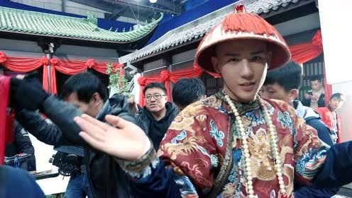 Behind the scenes: Newly wed dancing in the set | Dreaming Back to the Qing Dynasty