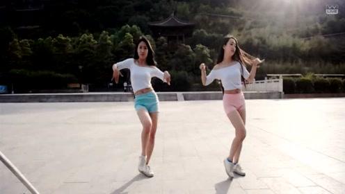 两美女主播的舞蹈和pdd相比咋样啊